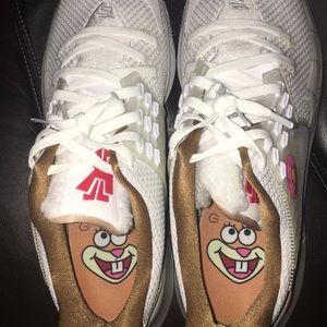 Spongebob x Kyrie Sandy Cheeks Size 17 Brand New